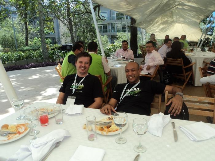Hernán y Jorge de 10 Pines en el almuerzo
